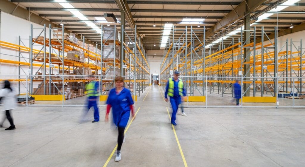 warehouse-agency-staff